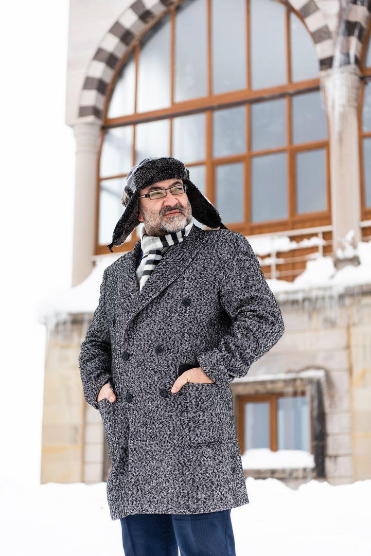 Ambtenaar Murat Cingi voert een Oostenrijks masterplan uit. Beeld Katja Poelwijk