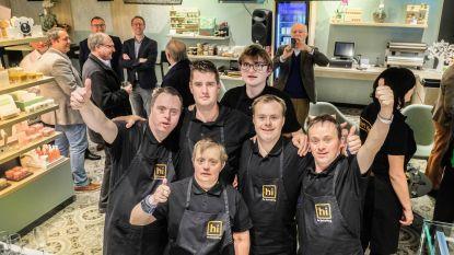 """Verwencafé Het Idee, uitgebaat door mensen met beperking, krijgt award: """"Ze geven er elke dag het beste van zichzelf"""""""