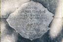 De grafsteen van Bertha Ruebel