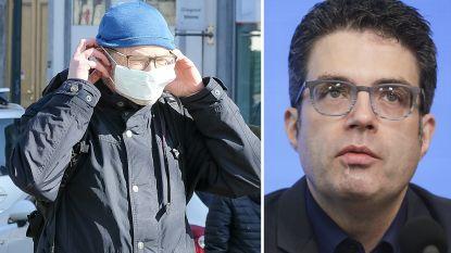 """Viroloog Steven Van Gucht: """"Op straat een mondmasker dragen heeft geen zin"""""""
