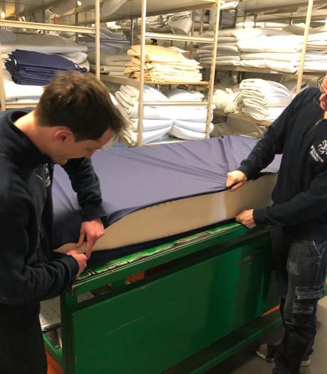 Beddenproducent uit Loenen doneert matrassen voor zorghotels: 'Niet meer dan normaal om steentje bij te dragen'