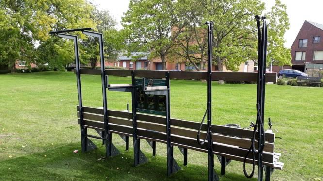 Kapelle-op-den-Bos laat inwoners bewegen aan opvallende zitbanken