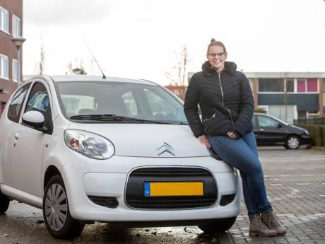 Irene's auto werd in brand gestoken, dankzij een inzamelactie heeft ze nu een nieuwe: 'Ik ben echt ontroerd'