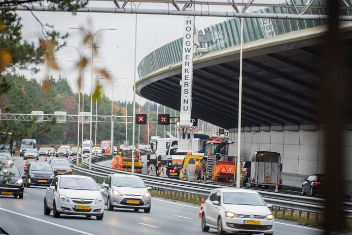 Er is forse verkeershinder op de A28 bij Den Dolder.