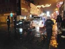 Fietser onder invloed vernielt achterruit combi in Overpoort