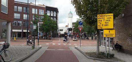 Zwaaiplein in centrum Veenendaal wordt een rotonde: maand lang omleidingen voor het verkeer