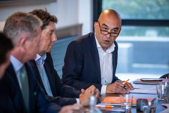 """Kris Claes directeur belangenbehartiging van Voka Limburg: """"Ik dacht dat het om een grap ging, een slechte dan nog wel."""""""