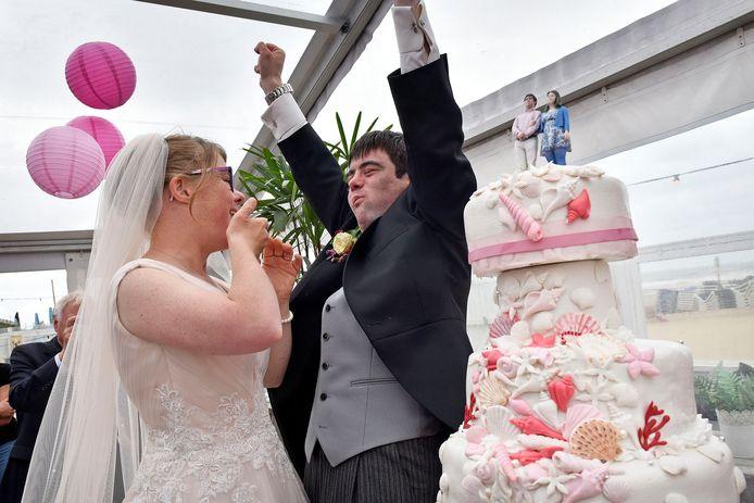 Ten overstaan van ruim 300 gasten gaven Lize en Ruben elkaar het ja-woord.
