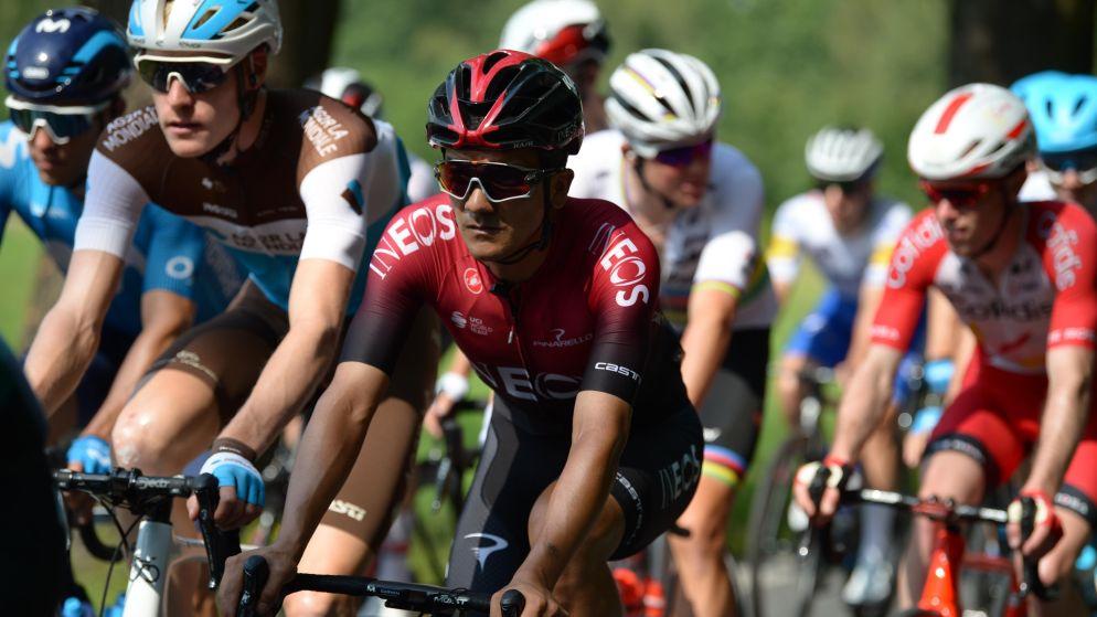 Girowinnaar Richard Carapaz (Team INEOS) wint derde rit Ronde van Polen na late uitval, Mickaël Delage afgevoerd na nieuwe valpartij