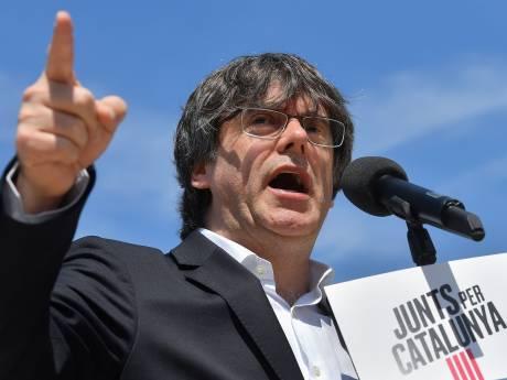 L'Espagne lance un nouveau mandat d'arrêt international contre Puigdemont, vives tensions à Barcelone