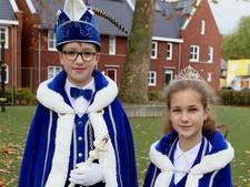 Prins Niels en prinses Ilse voorop in Helvoirt