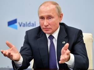 Poutine affirme avoir autorisé l'évacuation de Navalny en Allemagne