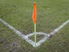Dertien voetbalvelden in Dordt voorlopig onbespeelbaar door droogte
