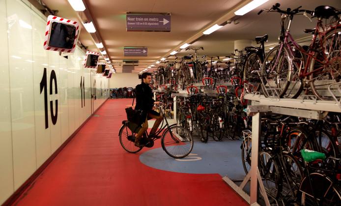 De onbewaakte fietsenstalling van Rotterdam Centraal.