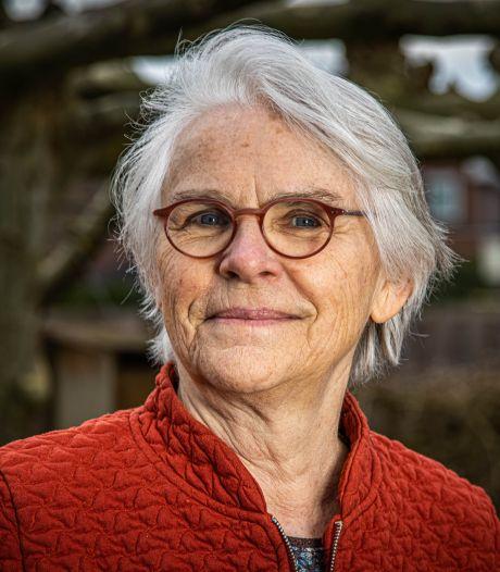 Oud-docent Trijntje (72) uit Zwolle pleit voor dagelijks onderwijs op landelijke tv: 'Gewoon de hele dag door'