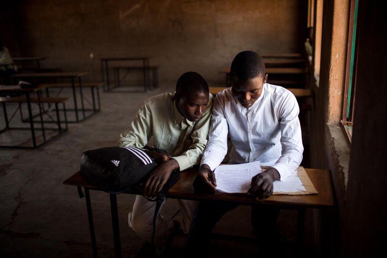 Een klaslokaal in het dorp Mahenye. Beeld Julius Schrank
