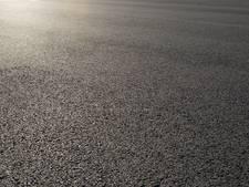 Zaltbommel en Maasdriel voorzien asfalt van nieuwe slijtlaag
