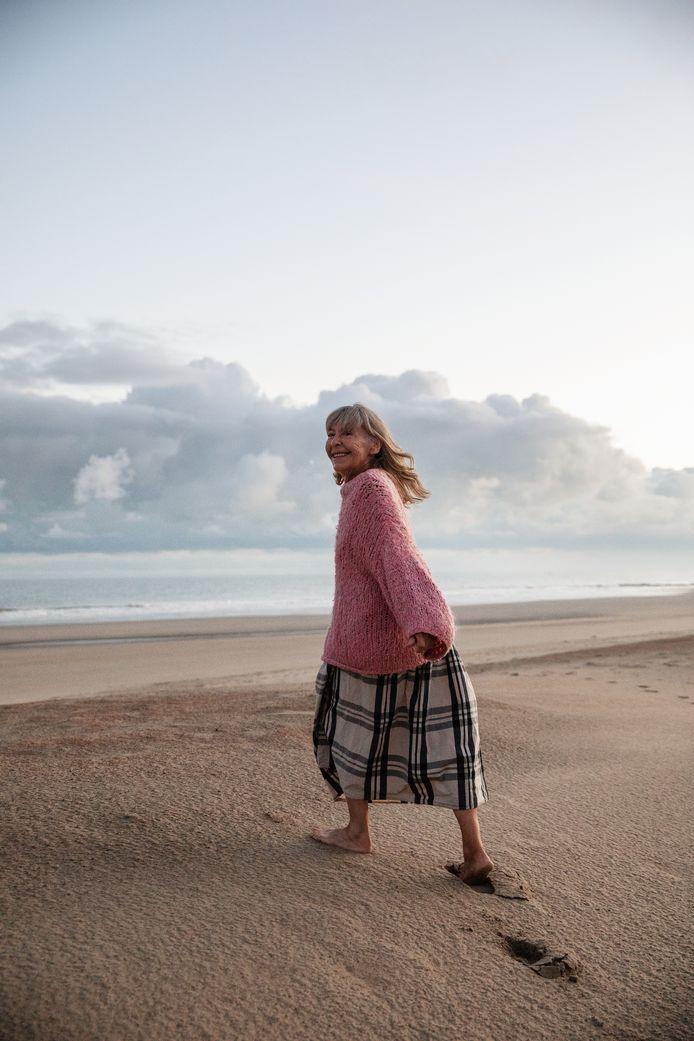 De foto is genomen om 6.33 uur aan de kust in Raversijde