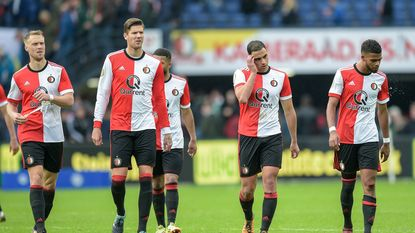 "Feyenoord zwaar onderuit tegen Ajax (1-4): ""Dit is een enorme mokerslag"""