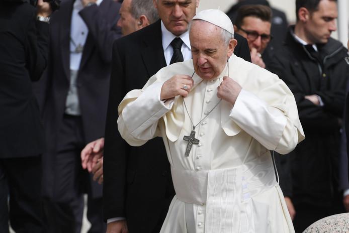Paus Franciscus heeft nog niet gereageerd, maar het schandaal zou beroering veroorzaken tot in Rome.