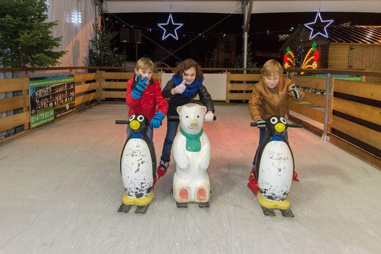 Sfeer op de schaatspiste .