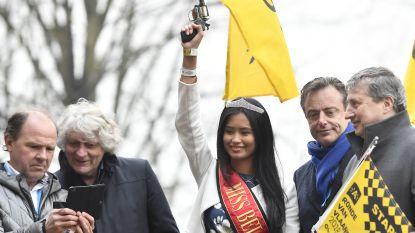 """Bart De Wever niet akkoord met afschaffen bloemenmeisjes: """"Daarom hebben we het mooiste meisje van België gevraagd voor de Ronde"""""""