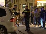 Auto rijdt in op uitgaanspubliek in Deventer