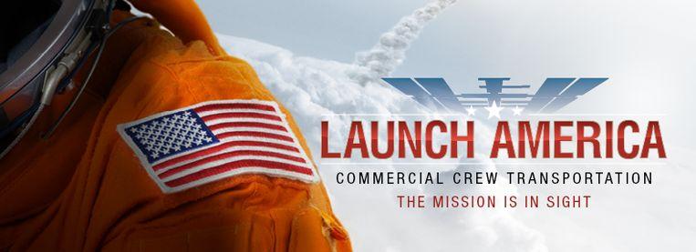 Het logo van de missie – naast de prominente Amerikaanse vlag op de mouw van deze astronaut – laat er weinig twijfel over bestaan dat de lancering van de Crew Dragon vooral ook een Amerikaans feestje is. Beeld Nasa
