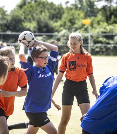 De Schaapskooi Nijverdal kroont zich tot Overijssels schoolkampioen korfbal in Almelo