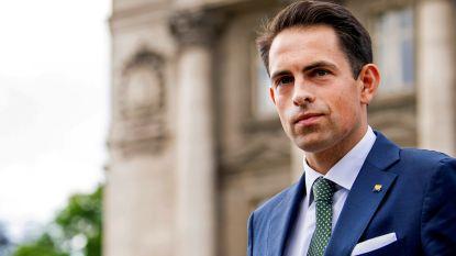 Grondwet-experts oneens over beslissing paleis om Vlaams Belang uit te nodigen
