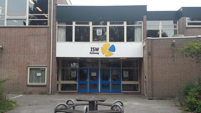 Het oude schoolgebouw van ISW aan de Madeweg, Monster.