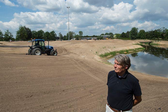 Golfclub Princenbosch uit Molenschot krijgt als derde in Nederland en eerste in Zuid-Nederland een baan met verlichting vertelt voorzitter André Barendrecht. Aan de Bavelseweg worden negen holes par 3  toegevoegd aan de 27-holesbaan.