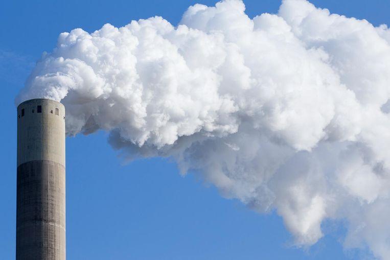 Een schoorsteen van de Nuon kolencentrale Beeld anp
