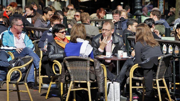 De bewoners willen een horecastop en vinden dat snackbars gelijk met cafés moeten sluiten. Foto ANP Beeld