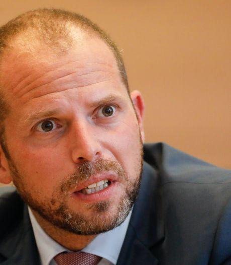 Fraude aux visas humanitaires: Theo Francken dépose plainte après la fuite de son audition