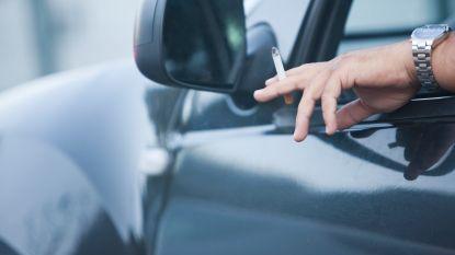 Roken in de auto weldra verboden met kinderen jonger dan 18 jaar aan boord