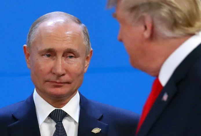 De Russische president Vladimir Poetin en de Amerikaanse president Donald Trump bij hun ontmoeting in 2018 op de G20-top in Argentinië.