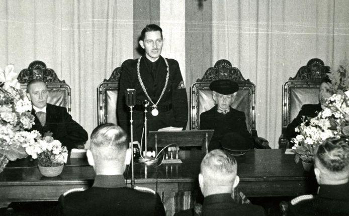 De zojuist in Oss geïnstalleerde NSB-burgemeester Hermanus Apeldoorn op 17 maart 1944.