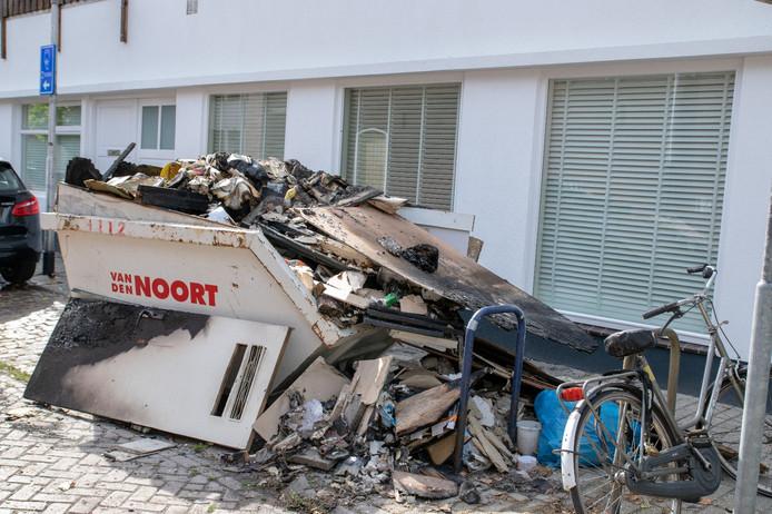 De gebluste container in Tilburg.