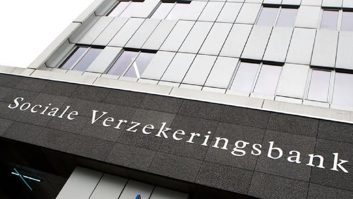 Het verzwegen bezit van de aanvragers van een uitkering bij gemeenten of Sociale Verzekeringsbank loopt in de tientallen miljoenen euro's.