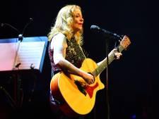 Zangeres Anneke van Giersbergen presenteert voorproefje van 'ontroerend en openhartig' album