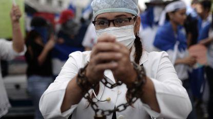 """Veertigtal artsen en verpleegkundigen ontslagen wegens hulp aan betogers in Nicaragua: """"Wij zijn dokters, geen terroristen"""""""