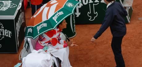 """""""Ça devient ridicule"""": la colère d'Azarenka qui pousse l'arbitre à interrompre son match"""