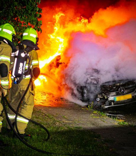 Fotojournalist aangevallen bij nachtelijke autobrand in Rheden