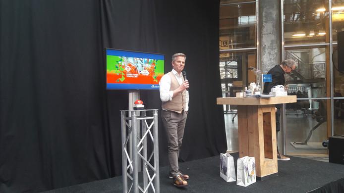 Bob Hutten, op het podium bij de start van het Brabants jaar van de gastronomie.