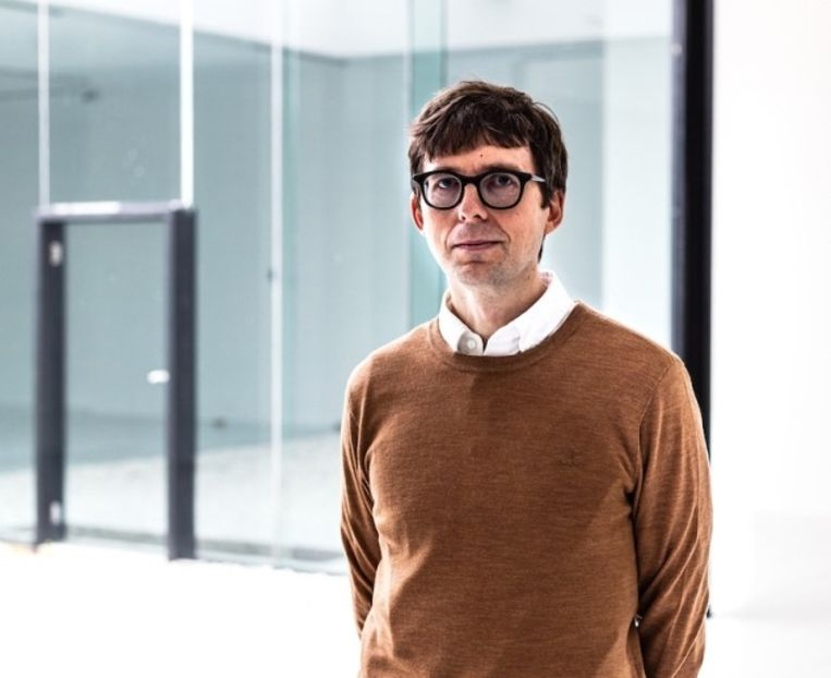Antony Hudek, de nieuwe directeur van het Museum Dhont-Dhaenens in Deurle.