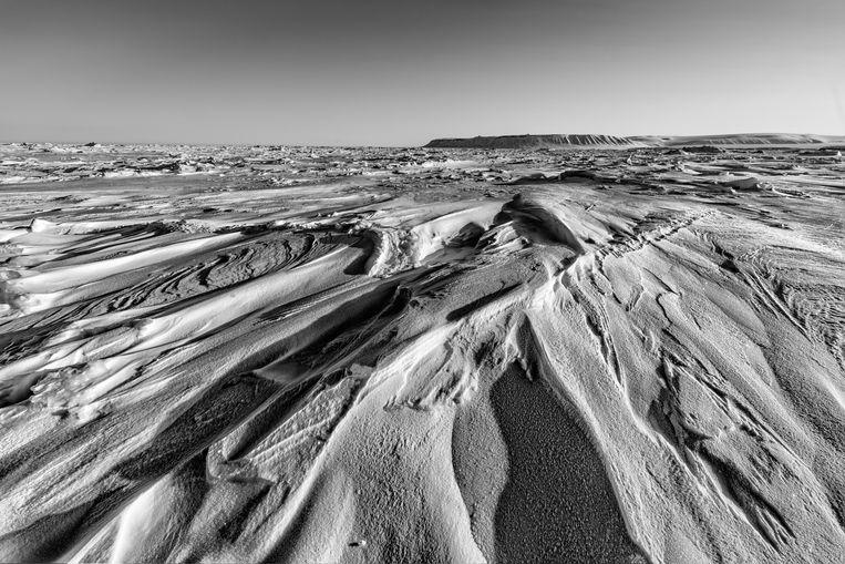 De kust van Spitsbergen. Deze zomer werd bekend dat er, sinds met metingen is begonnen, nog nooit zo weinig zeeijs heeft gelegen als nu. Beeld Hollandse Hoogte