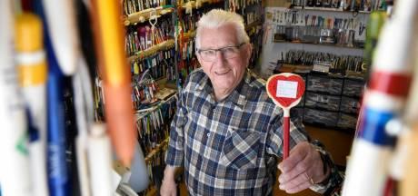 Nieuw record! Woerdenaar Alex (84) heeft 200.000 balpennen: 'Elke pen heeft een verhaal'