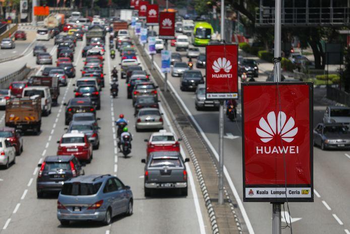 Reclame voor Huawei in Maleisië. De Chinese telecomgigant hoopt ook voet aan de grond te krijgen in Nederland door betrokken te zijn bij de uitrol van het 5G-netwerk