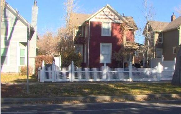 De crèche Play Mountain Place was ondergebracht in deze woning in een buitenwijk van Colorado Springs.